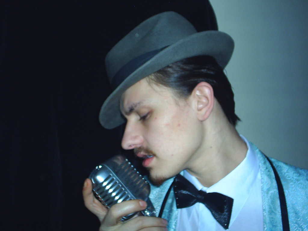 Angelo as Sinatra 011